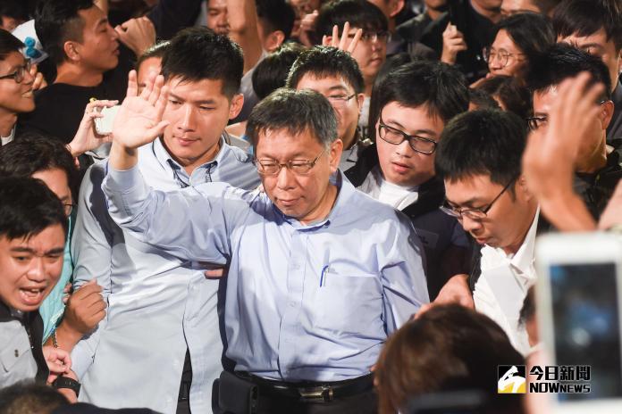 ▲柯文哲以三千票之差險勝丁守中,連任台北市長。(圖/記者陳明安攝,2018.11.25)