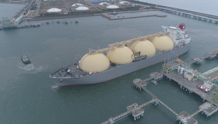 非核家園不變!中油開拓合作新頁 首批澳洲天然氣進港