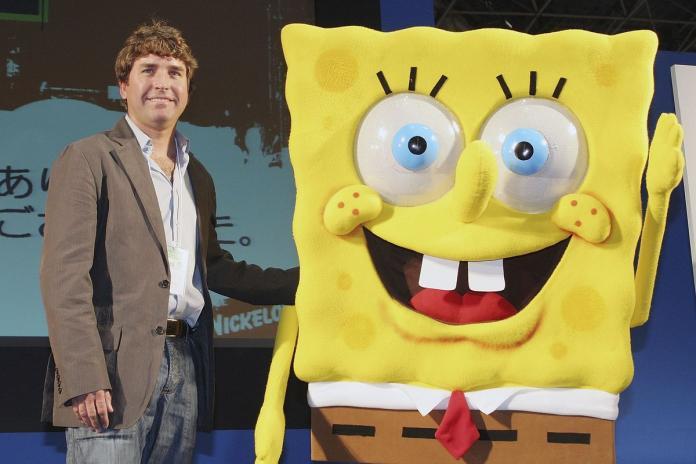 ▲美國著名動畫《海綿寶寶》(SpongeBob SquarePants)的創作者希倫伯格(Stephen Hillenburg)因不敵俗稱「漸凍人症」的肌萎縮側索硬化症(ALS),在當地時間 27 日過世,享年 57 歲。(圖/翻攝自 Getty Images)