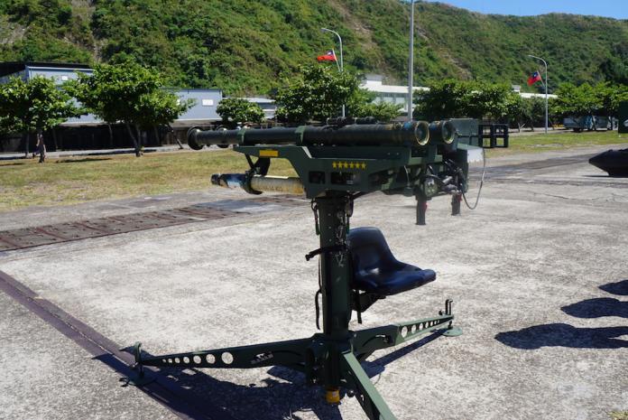 軍武》漢光兵推台北保衛戰 刺針飛彈重創共機