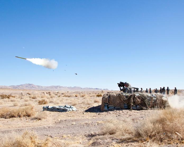 ▲為了強化外島防空能力,陸軍將分階段採購FIM-92肩射型刺針(Stinger)防空飛彈。圖為美軍刺針飛彈射擊訓練。(圖/美國陸軍)