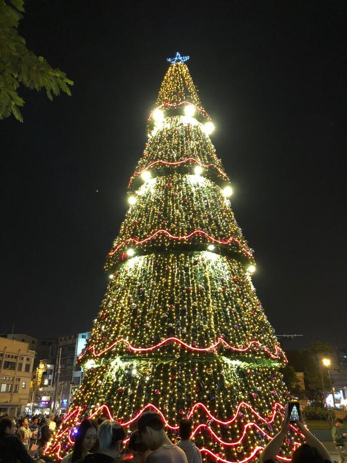 影/文學館古典聖誕樹點燈 台南聖誕系列活動接力登場
