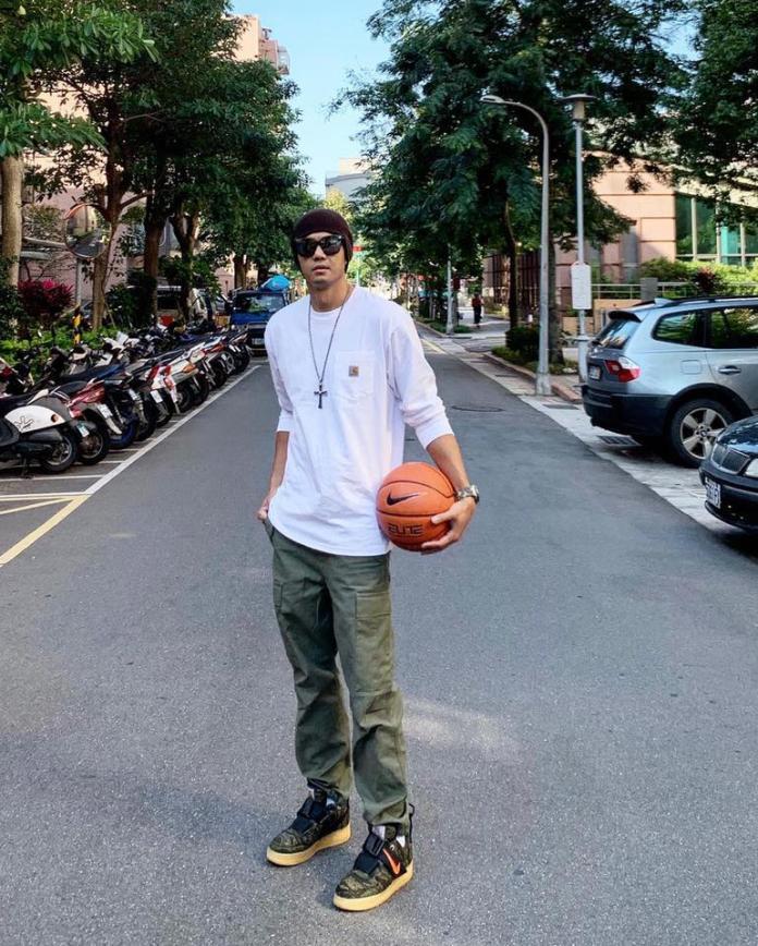 <br>  ▲黑人感謝嚴凱泰對於籃球界的付出。(圖/翻攝臉書,  2018.12.3)