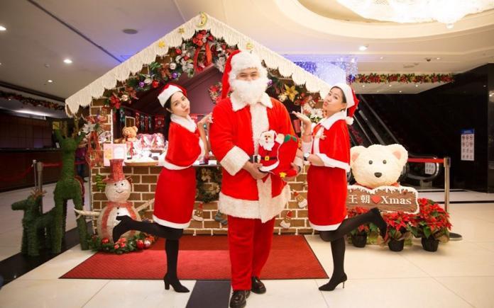 北市最大薑餅屋迎耶誕 王朝五米高耶誕樹吸睛