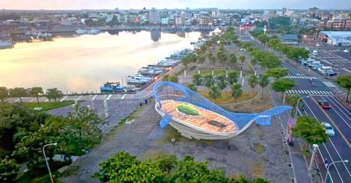 23米長鯨魚現身台南安平港 大魚的祝福變身感動新地標