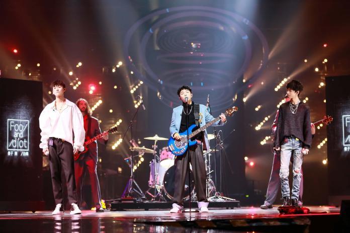 《<b>明日之子</b>》冠軍由台灣男孩奪下 「迷幻搖滾」打動評審