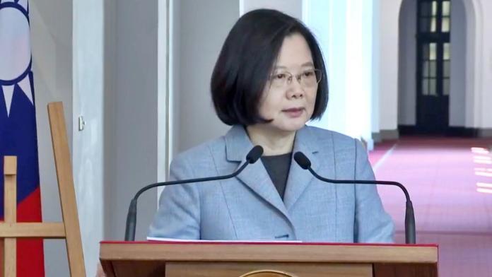 蔡英文總統迴廊談話。(圖 / 記者陳弘志攝,2018.12.18)