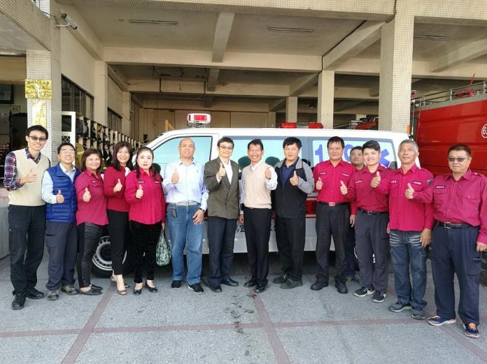建設公司造福鄉里 捐贈雲林救護車