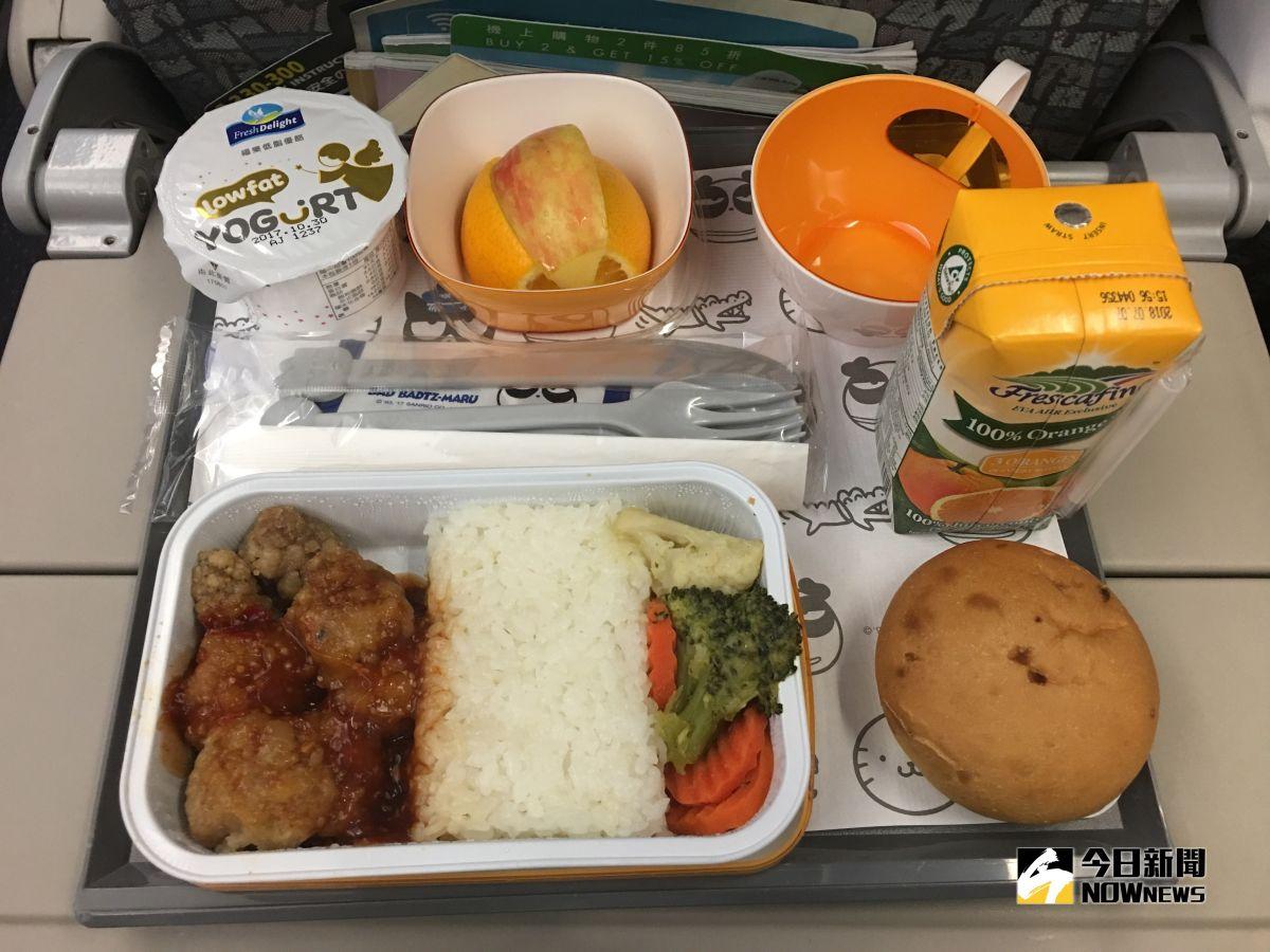 政院拍板!大眾運輸、國內航班開放飲食