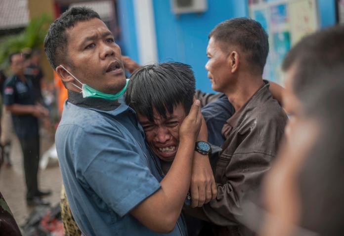 ▲印尼海嘯釀成慘重災情,目前已有 222 人死亡、843 人受傷、28 人失蹤。(圖/達志影像/美聯社)