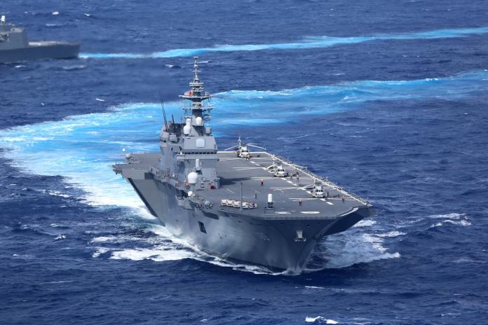 ▲海上自衛隊的出雲號直升機護衛艦,在2018防衛大綱中計畫加以改裝,將飛行甲板修改為長方形以利F-35B戰機進駐。 (圖/海上自衛隊)
