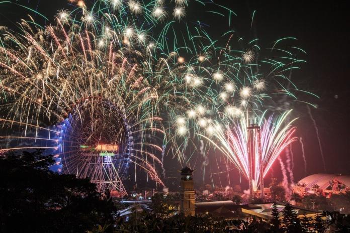 ▲劍湖山跨年當晚煙火秀則有 8 分 8 秒,共 28,888 發。(圖/劍湖山世界主題樂園)