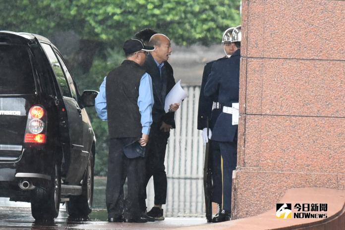 高雄市長韓國瑜列席行政院會。(圖/記者林柏年攝,2018.12.27)