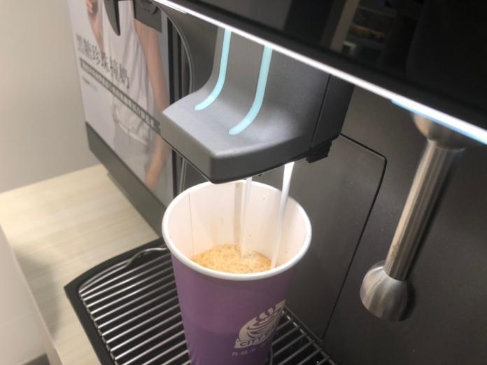 ▲7-ELEVEN推出CITY CAFE全品項任選第2杯半價優惠活動。(圖/記者彭夢竺攝)