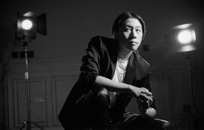 ▲新人歌手夏道倪半路出家,原本想當哲學理論家的他,意外碰到金屬音樂走上歌手路。(圖/上海啟動音樂提供)