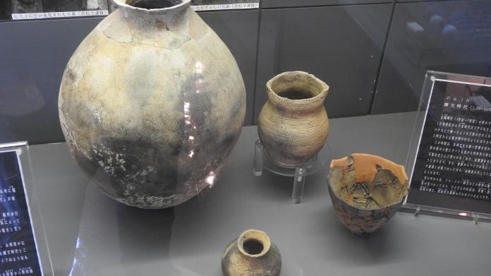 <br> 繩紋時代的陶器。(圖/黃建霖設)