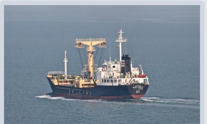 ▲海鷗救護隊S-70C直升機前往救援的我國籍船隻。(圖/國搜中心提供, 2019.1.2)