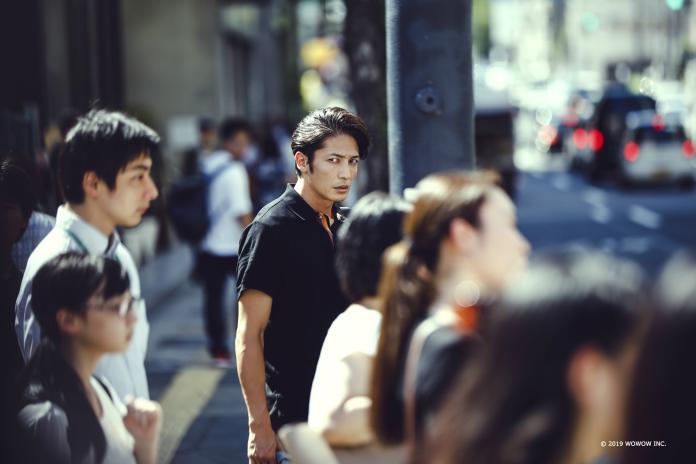 玉木宏在新劇《被偷走的臉》中因為追查案件被捲入巨大的陰謀