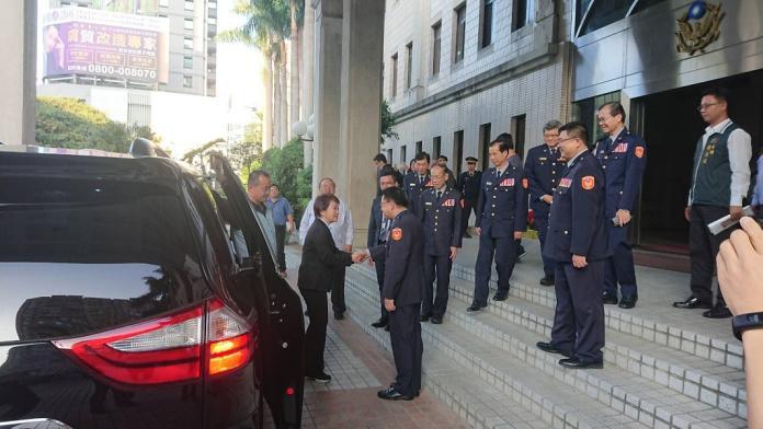 連破三刑案 台中市長盧秀燕肯定警察有案必破頒發慰勉金