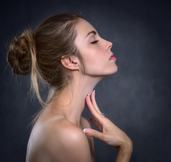 臉狂擦乳液也沒用?醫:用「大分子」保養油乾燥肌能改善