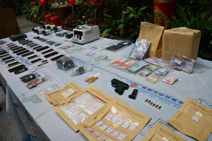 影/警攻克毒品集貨場  起獲槍械及現金620萬元