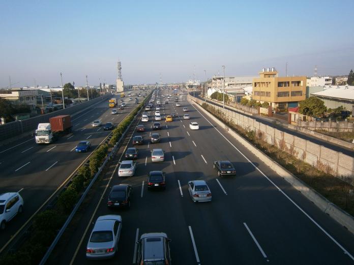 中秋及國慶連假出遊 高乘載管制時段、路段看這裡