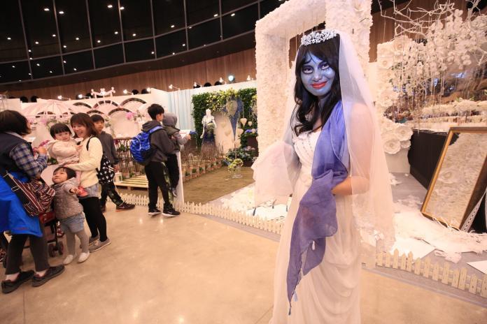 「地獄新娘」光臨花舞館 現場民眾相當驚艷