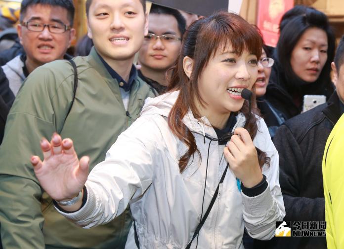 穩固年輕族群支持度 前民眾黨發言人陳思宇斜槓直播圈