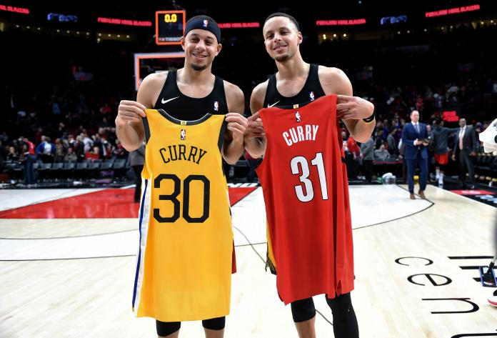 ▲柯瑞兄弟檔Seth Curry(左)、Stephen Curry。(圖/美聯社/達志影像)