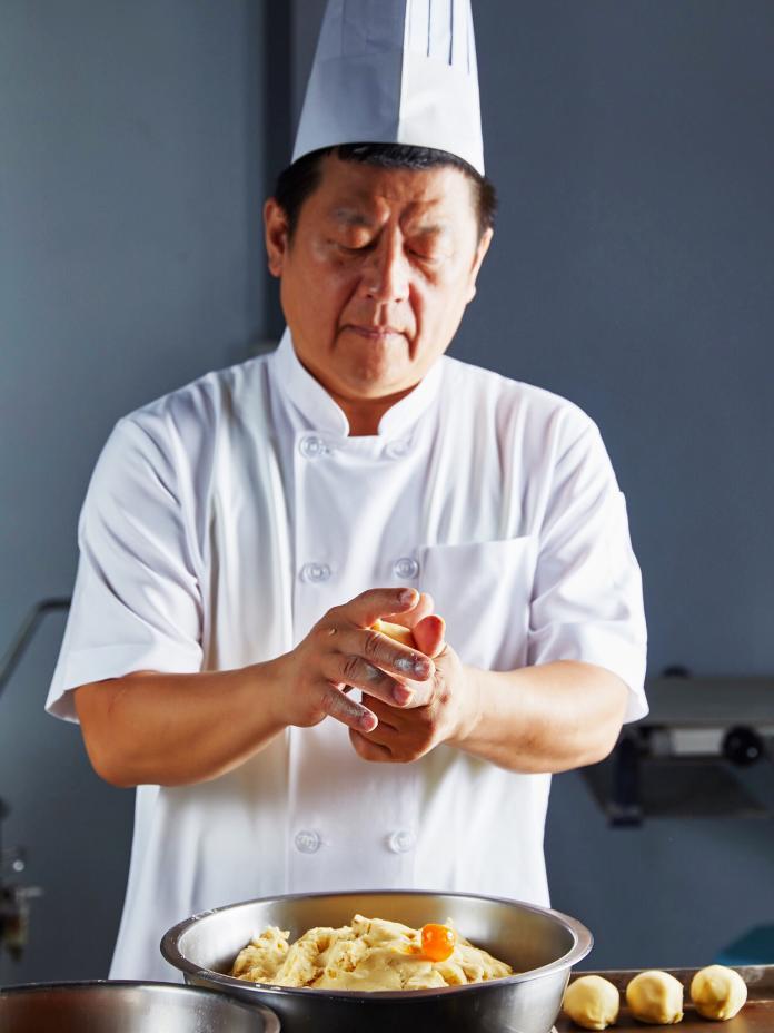 ▲韓粉麵包師推Q版韓國瑜鳳梨酥。(圖/記者陳美翻攝)