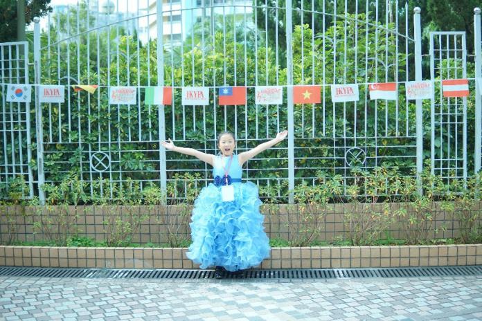 ▲在「一國兩制」的香港,比賽場合中竟然懸掛了中華民國的國旗,鉯潔的媽媽特別興奮的幫鉯潔拍了照。 (圖 / 鉯潔媽媽提供)