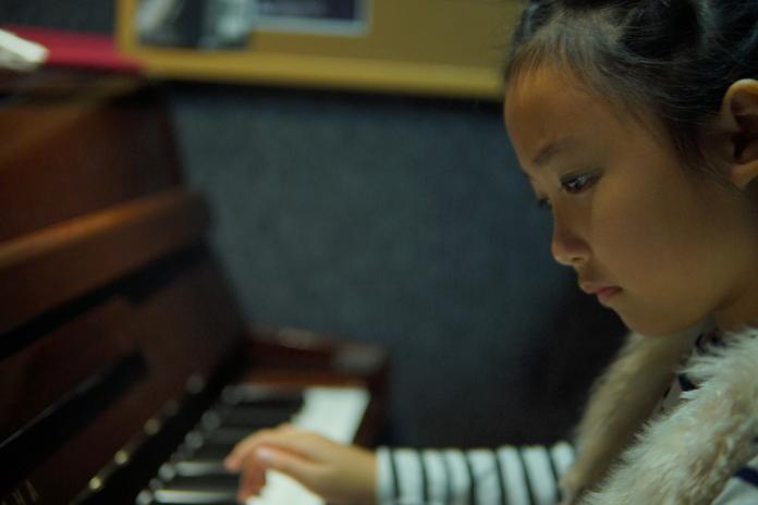 ▲小學三年級的鉯潔已有四年的琴藝,獲得過大大小小的獎項,算是比賽型的選手。 (圖 / 鉯潔媽媽提供)