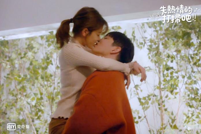 <br> ▲金裕貞(左)與尹鈞相的「確認心意之吻」最持久。(圖/愛奇藝台灣站)