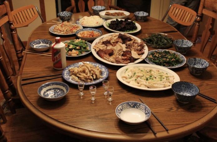圍爐、年夜飯、除夕
