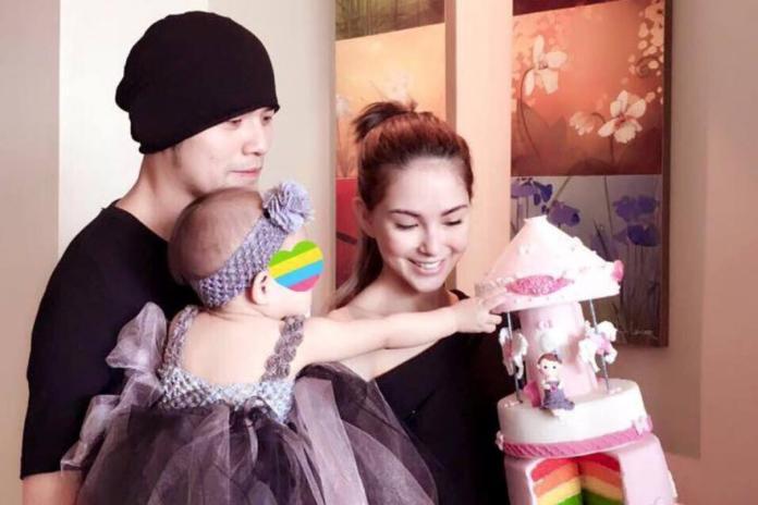 ▲周董(左)、昆凌結婚滿4年。(圖/臉書)