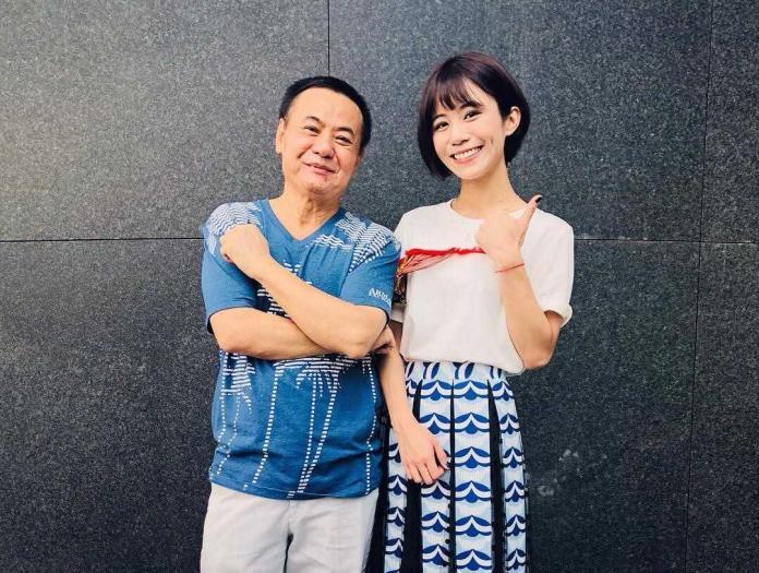 女星激似「學姊」黃瀞瑩爆紅 狂抱已婚男星不放手