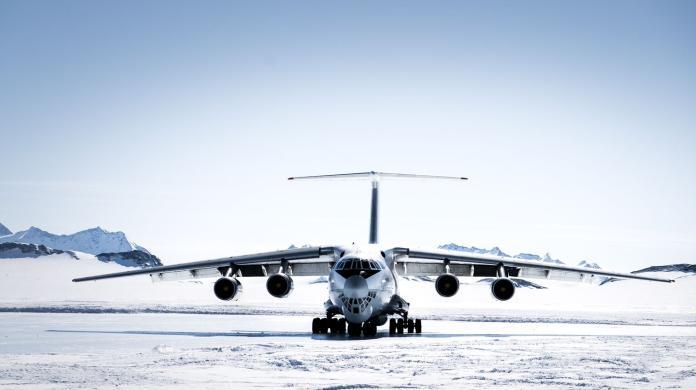 劉柏園南極長征筆記2—南極No1老飛機