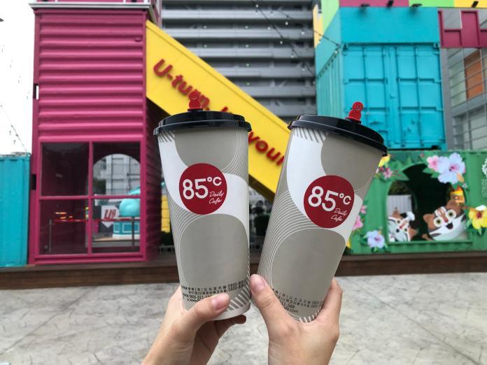 ▲85度C全台門市今天晚上8時為此,大杯咖啡第二杯10元優惠。(圖/85度C提供)