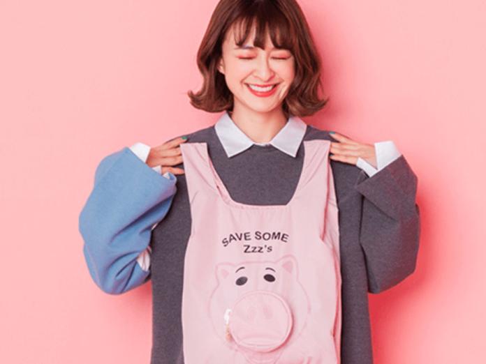 ▲今年正逢豬年,情人節「火腿豬摺疊提袋」送禮也很應景,剛好可以送給「豬隊友」。(圖/Yahoo奇摩提供)