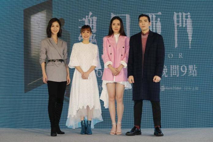 ▲郭碧婷(右二)演出《魂囚西門》。(圖/公視提供)