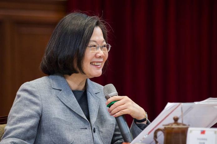 「President Tsai-englishit」嘉中英文試題爆<b>侮辱</b>蔡英文