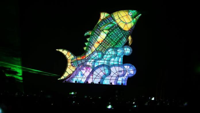 ▲2019台灣燈會以「巨鮪來富」的主燈秀最受矚目。(圖/記者郭俊暉攝,2019.02.19)