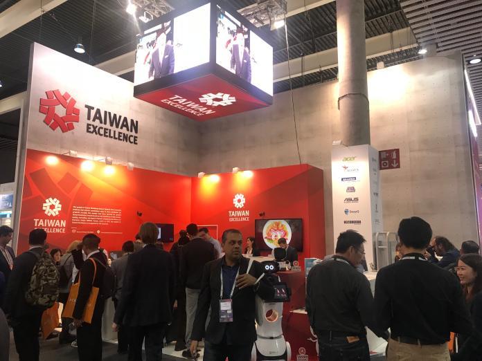 台灣科技廠在世界通訊展大秀5G、AI與VR新創等科技