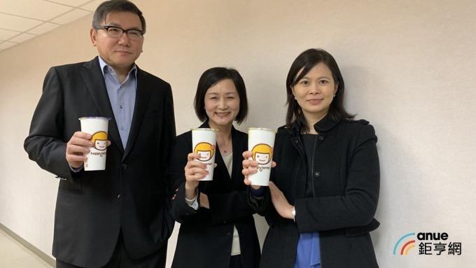 ▲ 雅茗董事長吳伯超(左)。(鉅亨網資料照)