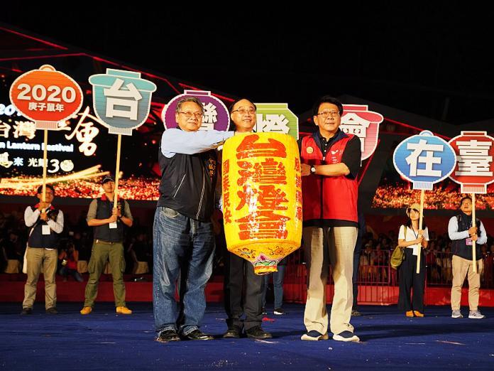▲屏東縣長潘孟安感謝燈會期間所有幕後英雄,一起努力讓國際看見屏東、看見TAIWAN。(圖/屏縣府提供)