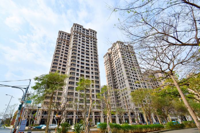 NOWNEWS0305_新竹高鐵便利性與房價相對北市便宜,許多北市工作的民眾選擇就近購買住宅,樂當通勤族