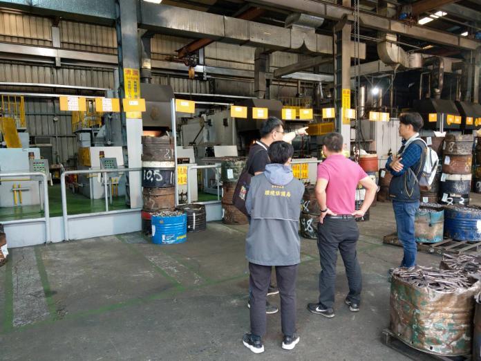 中市府查獲太平違規熱處理工廠 罰鍰移送法辦