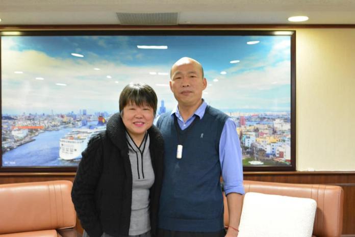 ▲資深媒體人黃光芹與高雄市長韓國瑜。(圖/翻攝自黃光芹臉書)