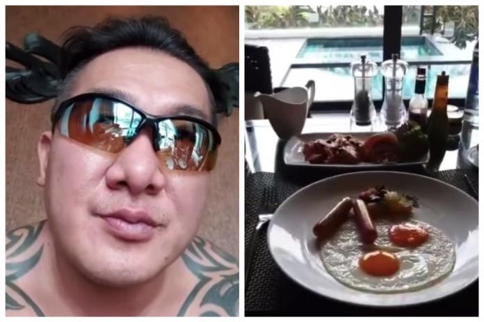 <br> ▲館長在飯店中開直播,除了拍自己的早餐菜色,還透露這次帶員工去泰國度假,其實是他這輩子第 2 次出國。(圖/翻攝自臉書飆悍粉絲團)