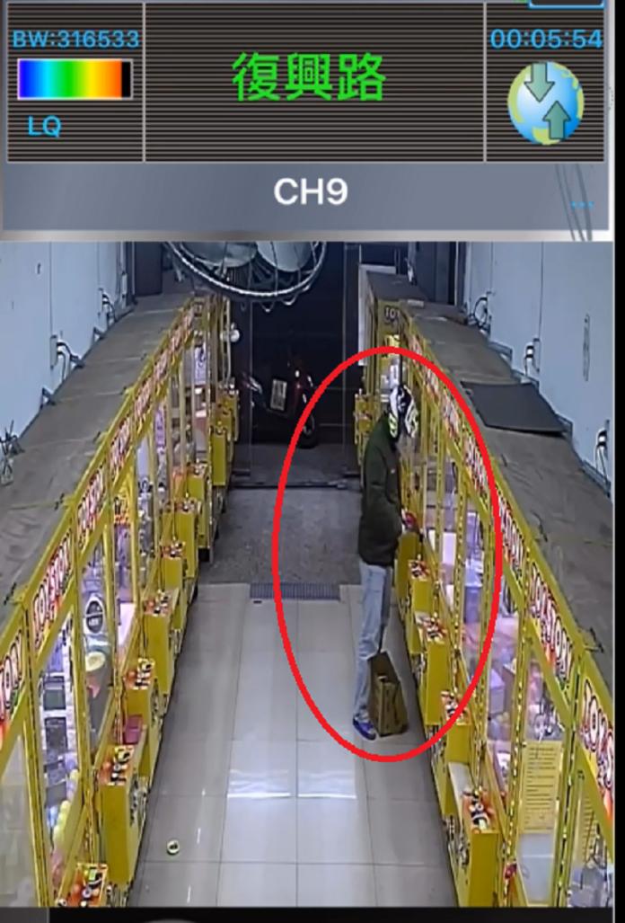 「行竊神器」油壓剪偷娃娃機 入獄再添一筆罪行